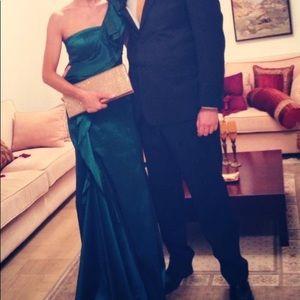 One shoulder taffeta emerald dress